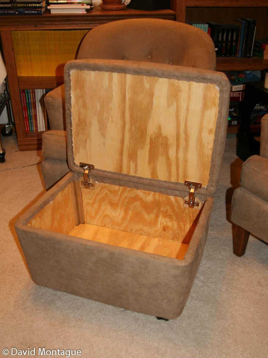 An rolling ottoman with storage - Furniture David P. Montague